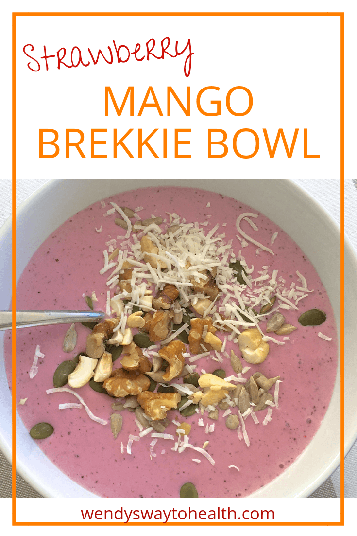 This healthy strawberry mango brekkie bowl is a great way to start the day