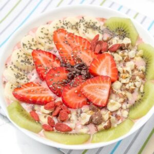 Strawberry-Ginger-Smoothie-Bowl
